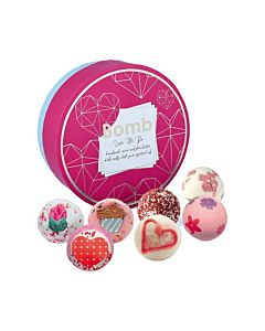 Bomb Cosmetics Gift Set Love Me Do