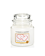 Yankee Candle Medium Jar Snow in Love